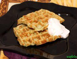 Закусочные толстые вафли с кабачками